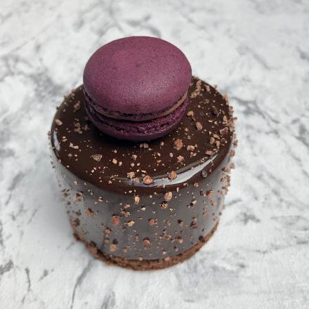 100procentczekolady-desery-gorzka czekolada z czarną porzeczką